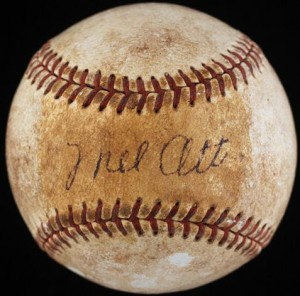 Single singed Mel Ott ball